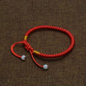 bracelet-tibetain-rouge-perles-blanches